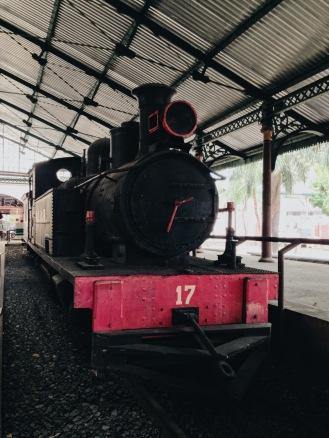 LOCOMOTIVA 17 - Locomotiva originalmente a vapor, fabricada em 1906.
